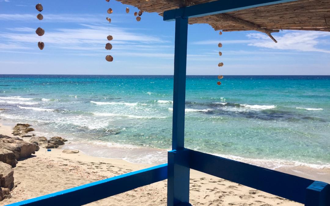 El otro elemento de la playa: Los Chiringuitos